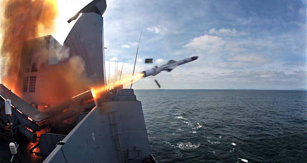 2075857_paris-et-londres-scellent-un-futur-commun-dans-les-missiles-strategiques-web-tete-0211923273786
